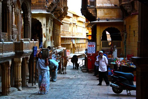 just another day at work in Jaisalmer's fort