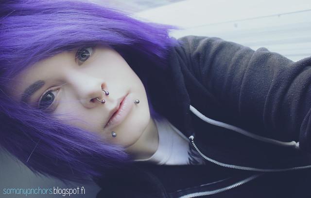 hiukset hulmuaa