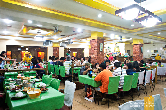 Dining Hall of Aling Tonya's Seafood Dampa in Macapagal