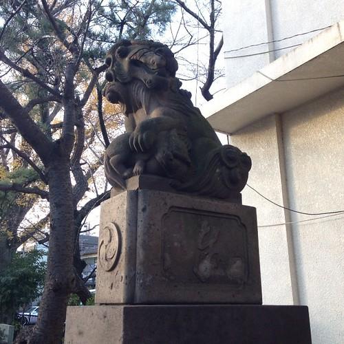 狛犬探訪 梅屋敷近くの大森中の八幡神社 子取り玉取り