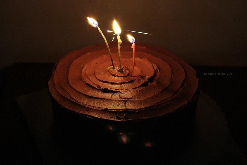 12069595563 29931f3503 b - Simple birthdays and lemon cakes with chocolate