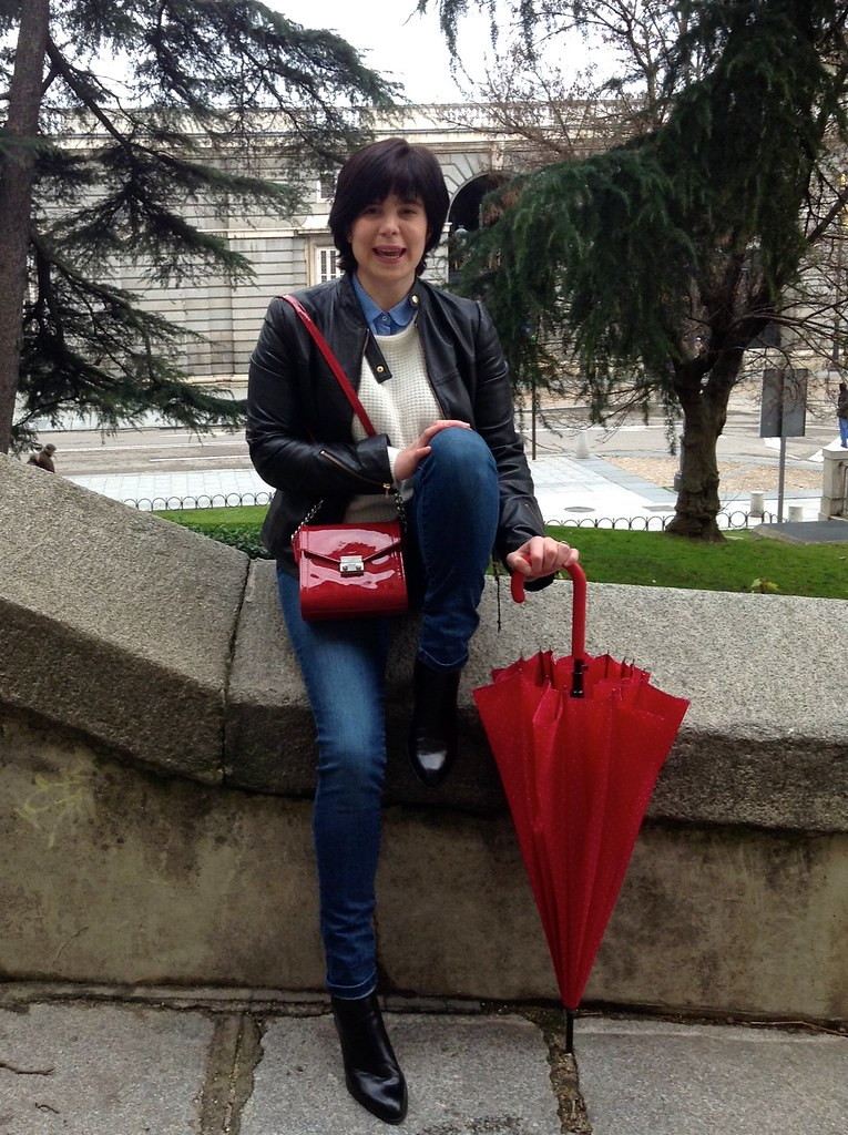 Palacio Real, España, Madrid - Outfit of the Day: Rainy Day