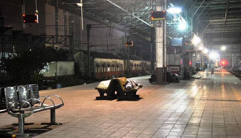 43 Estacion C.S.T. por la noche, Mumbai (106)