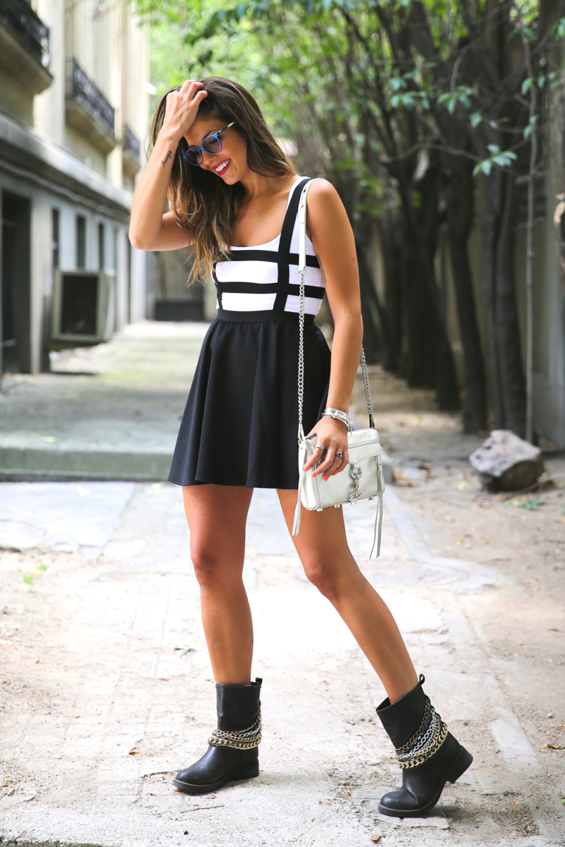 trendy_taste-look-outfit-street_style-ootd-blog-blogger-fashion_spain-moda_españa-natalia_cabezas-rocky-botas_moteras-steve_madden-silver_bag-bolso_plata-transition-vestido_rayas-striped_dress-8