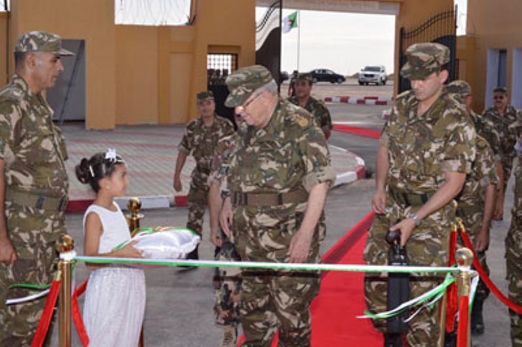 الجزائر : صلاحيات نائب وزير الدفاع الوطني - صفحة 4 30145869824_4a11c61d87_o