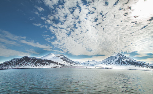 norway svalbard explore snowylandscape snowymountains norwegianfjord explored norwegiansea norwegianmountains norwegianlandscape polarlandscape tonygraphy tonygravé