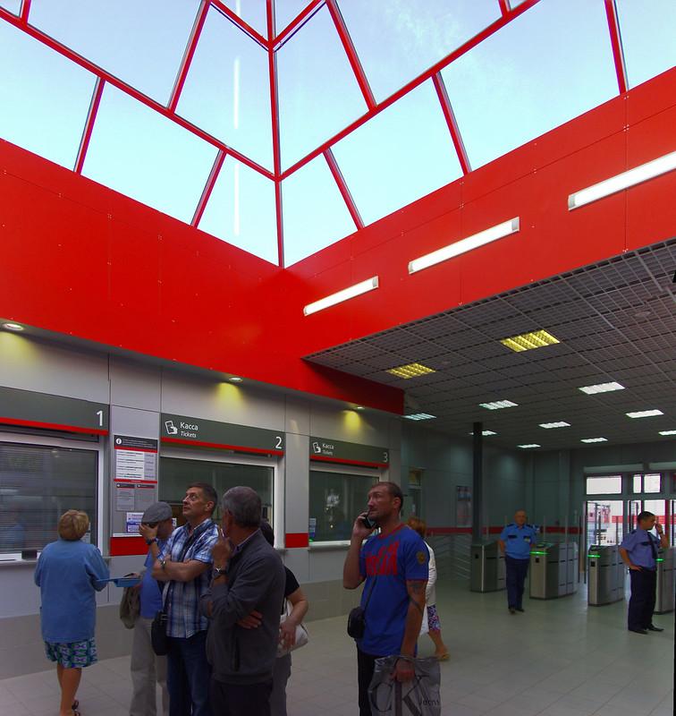 Novoperedelkino station 2013-08-01 046- 2013-08-01 047