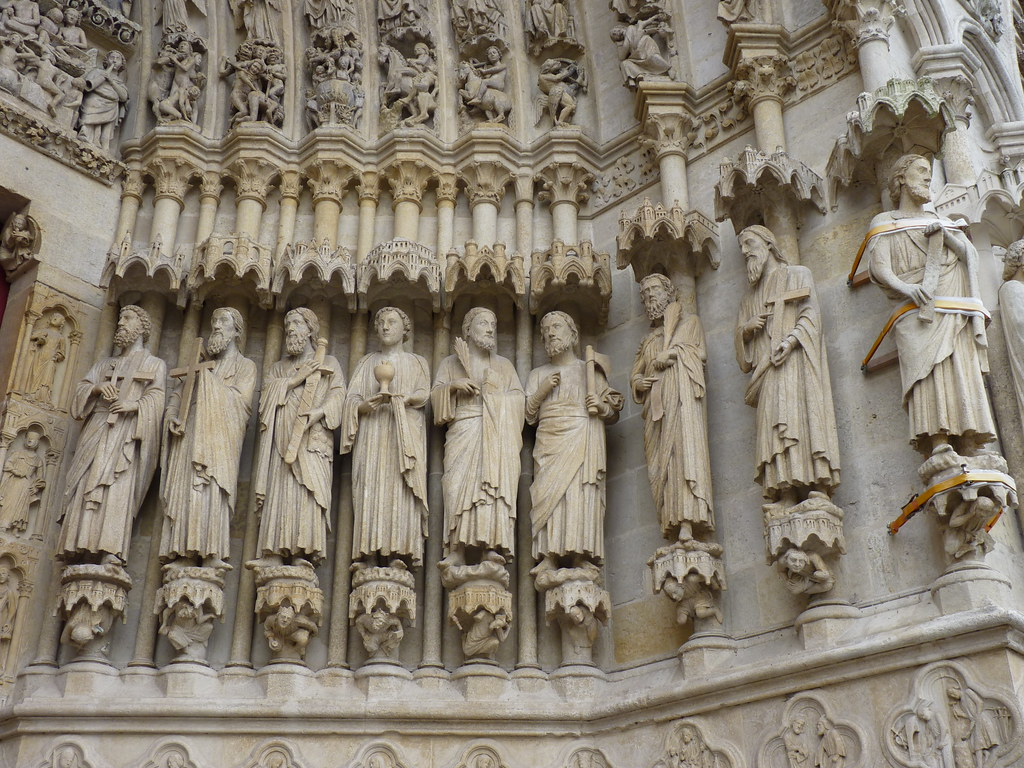amiens cathedral - statues central portal apostles (2)