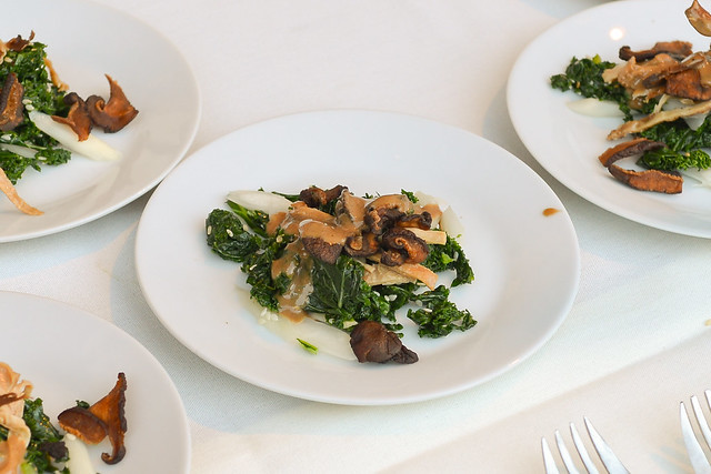 Chi Lin kale and shiitake mushroom salad