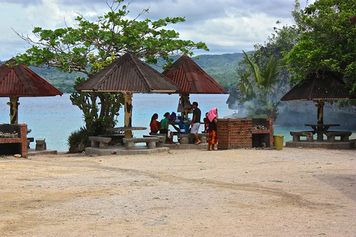 a local family setting up for a picnic at Salagdoong Beach Resort