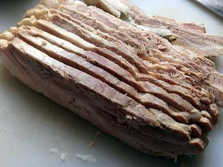 Poitrine de porc pochée