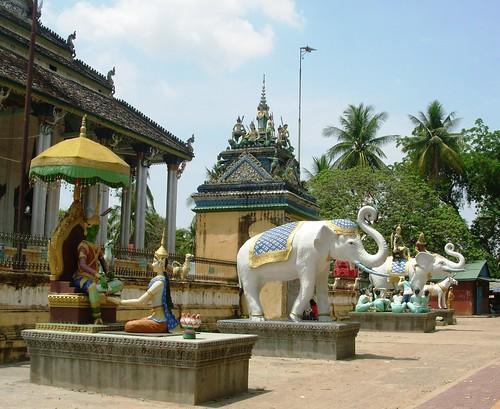 Battambang-White Elephant Pagoda (4)