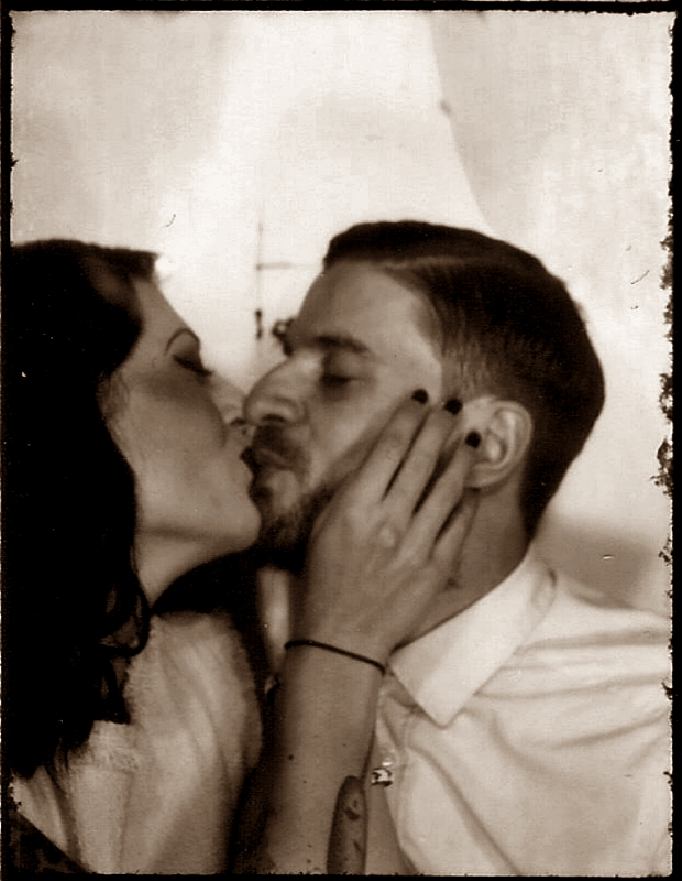 VINTAGE_PHOTO_LOVE_COUPLE_PHOTOAUTOMAT_BERLIN_NEUKOELLN_HERMANNPLATZ_LIEBE_40S_50S_HAIR_MAKE-UP (3)