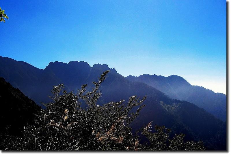 登山步道沿途景觀(小南山與南玉山)