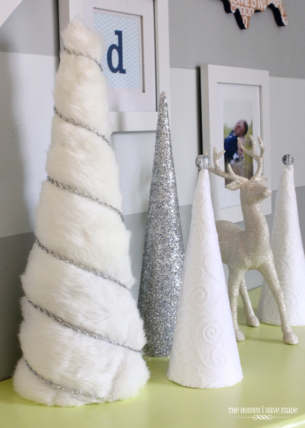 Holiday Living Room 2013-014