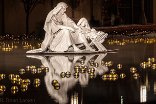 Floating Nativity at Night - 2013_12_27_4186.jpg