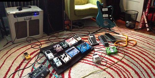 131105_guitar pedals_018