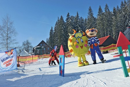 Děti lyžují s Brumíkem!