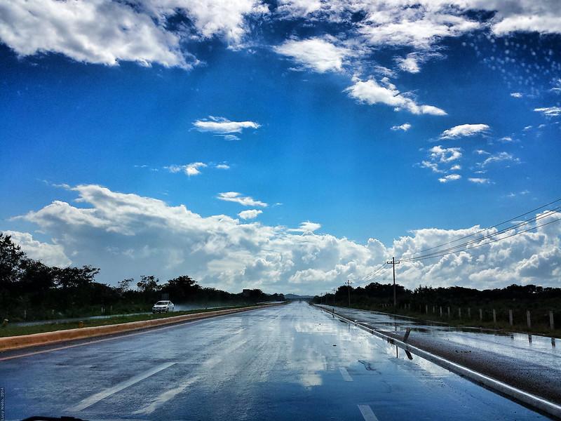 Carretera Mérida-Campeche - Yucatán México 140101 124212 1 S4 Snapseed