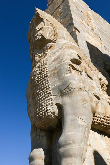 Statue of the Gate of all Nations, Persepolis, Iran ペルセポリス遺跡、クセルクセス門の像