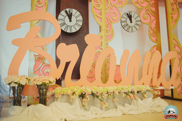 stage (5)