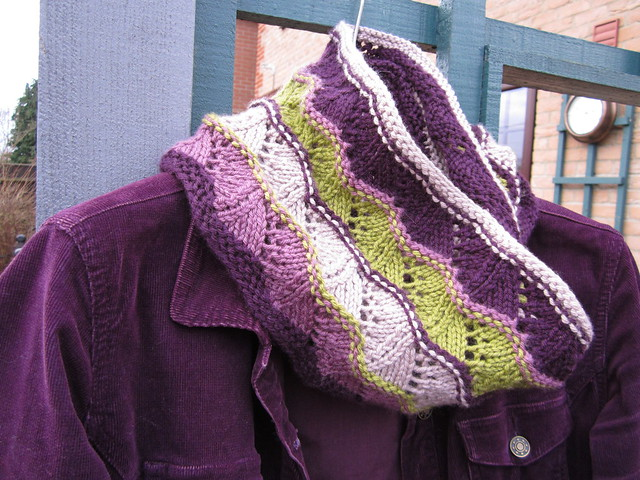 Rain on a Hot Tin Roof cowl 004