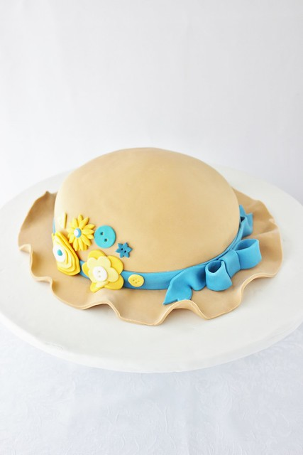 Sun Hat Cake