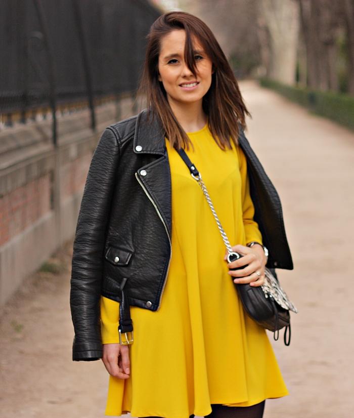 yellow_dress-zara-biker_jacket-black_flats-street_style-printed_bag-outfit