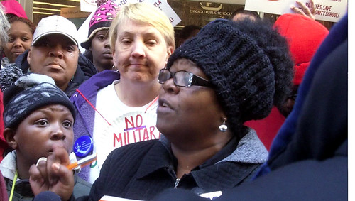 Lisa Russell speaks out against school privatization in Chicago