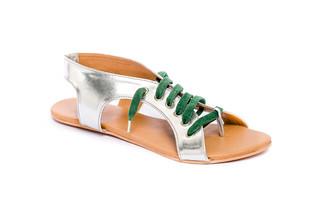 Look: Nituniyo sandalias