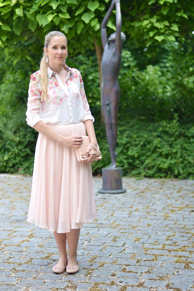 Outfit romantische Blümchen (1)
