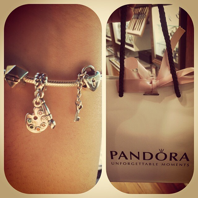 Gift from my lovie! I  it! #pandora #artistpallette #keytomyheart