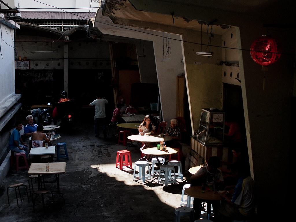 小巷故事多 Stories of a small alley