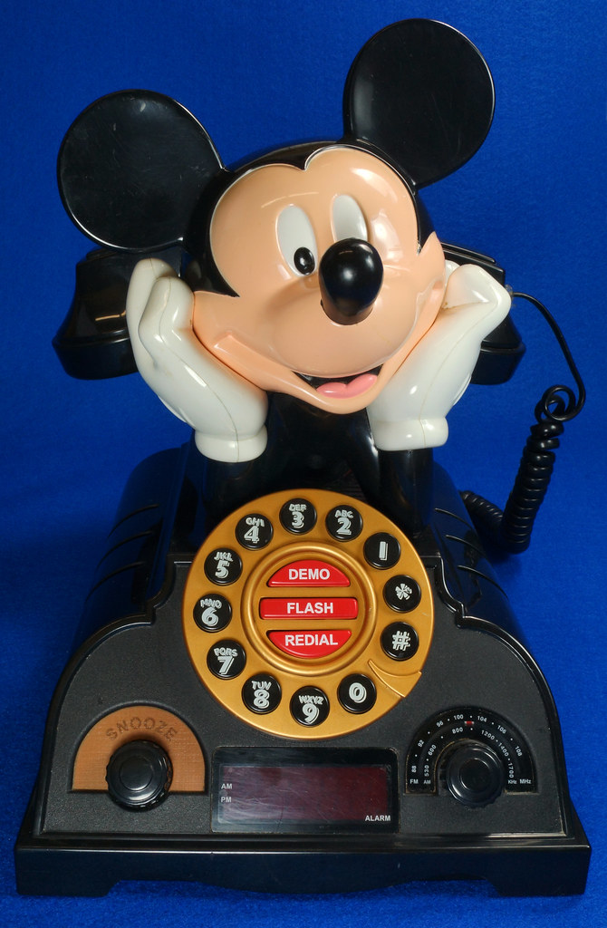RD14898 Rare Vintage Mickey Mouse Talking Alarm Clock Radio Telephone DSC06899