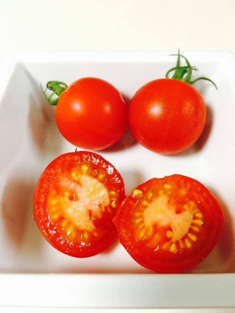 みつトマト断面