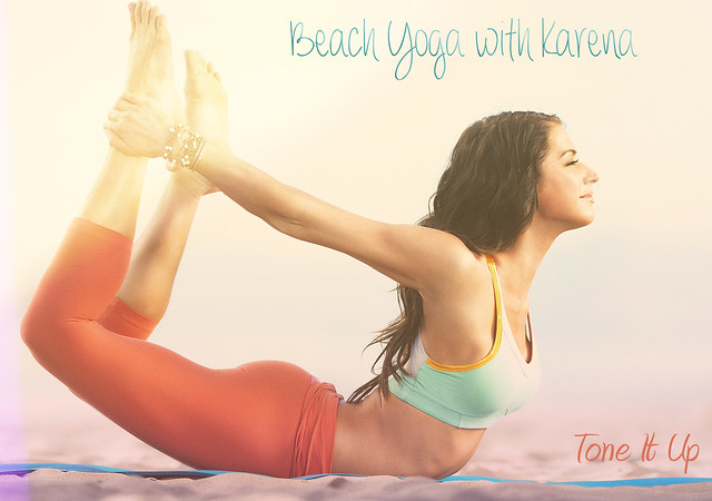 beach-yoga-karena-tone-it-up