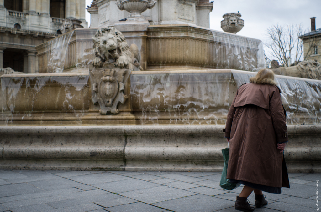 Paris, Woman and Fountain