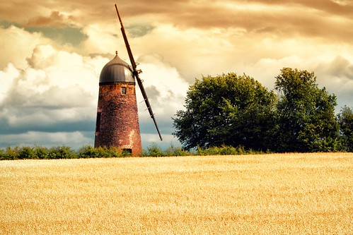 england windmill field farm bedfordshire crop upperdean arable canoneos500d canonef70200mmf28lisiiusm summer2013