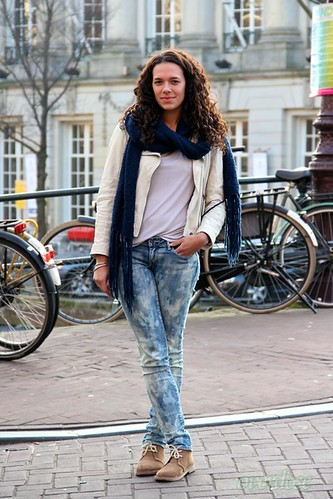 8-Overdose_Amsterdam-Street-Style_Fashion-Population_Curly-Hair