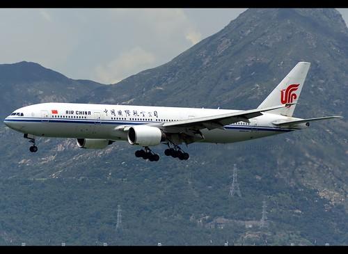 B772 - Boeing 777-2J6