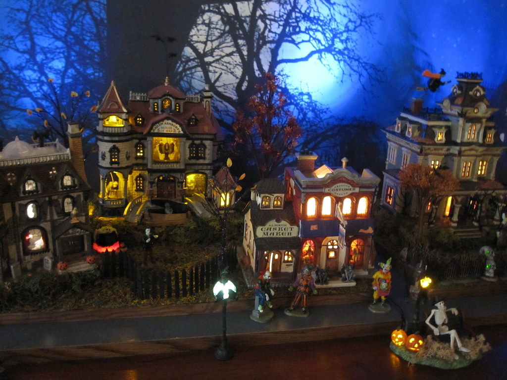 Halloween/Christmas Village Collector's most interesting Flickr ...