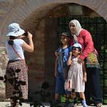 Familia turca haciendose una fotografía en el palacio Topkapi