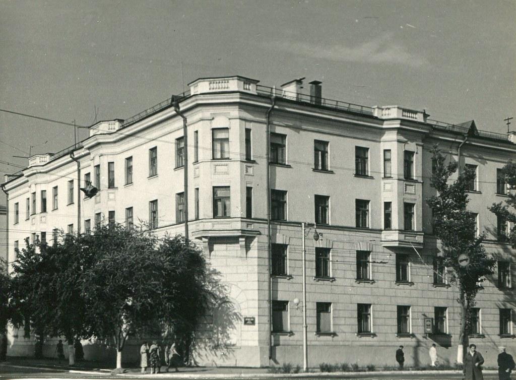 50б_Жилой дом на углу Молодогвардейской и Льва Толстого