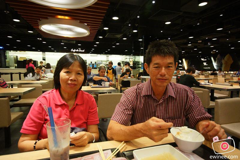 DAY1-HONGKONG-CAFE-DE-CORAL-papa-mama