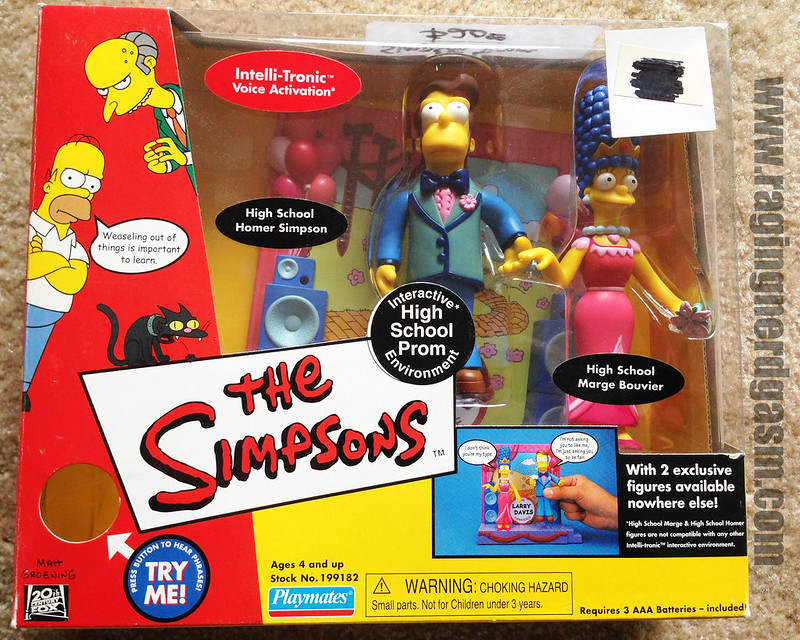 Playmates Play sets The Simpsons High School Prom Hommer and Marge