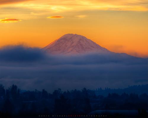 seattle mountains fog clouds sunrise mt rainier lenticular hdr