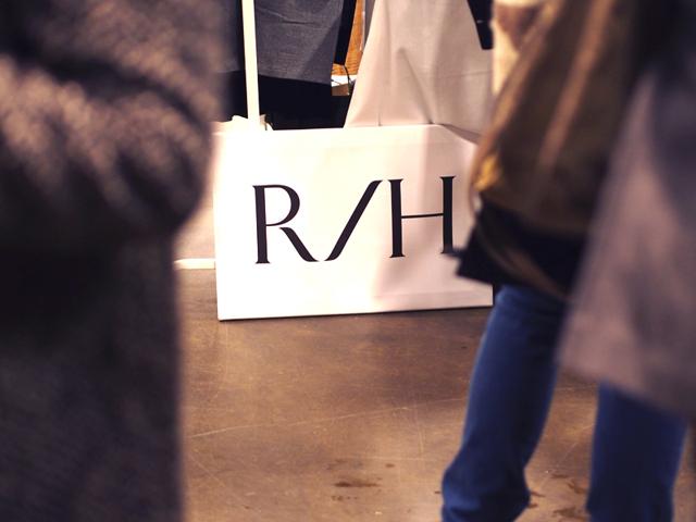 R-H clothes