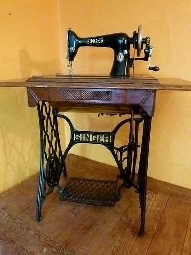 best sewing machine for beginners 2014