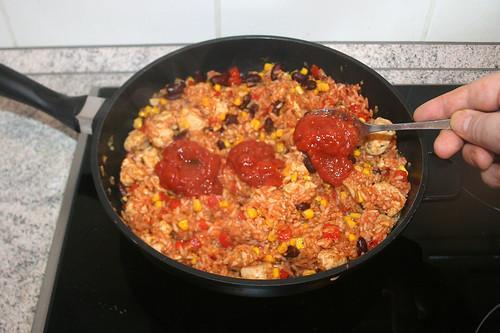 41 - Salsa Sauce einrühren / Stir in salsa