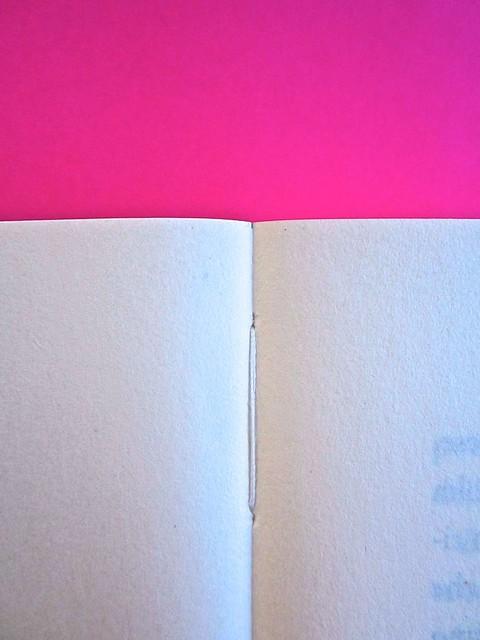 A Vinci, [...], di Morten Søndergaard. Del Vecchio edizioni 2013. Art direction, cover, logo: IFIX. Pagine cucite: pag. 8 e 9 (part.), 2